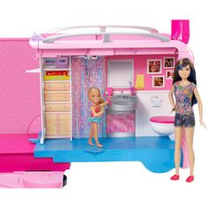 2016 Barbie's Dream Camper (RV) to campsite playset play set Fully Furnished with rolling wheels and pop-up features like a pool, water slide, stools, fire pit complete with s'mores! Mattel NEW Barbie Camper, Camping Barbie, Barbie Doll House, Barbie Toys, Barbie Dream House, Camping Car, Camper Van, Barbie Playsets, Glamping