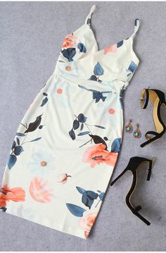 One of your must-have pieces of the season, $15.99, Beige Spaghetti Strap Cut Out Floral Sheath Dress is infused with casual style and spring colors. Can't wait to have a try. Get more surprised ones at m.shien.com!