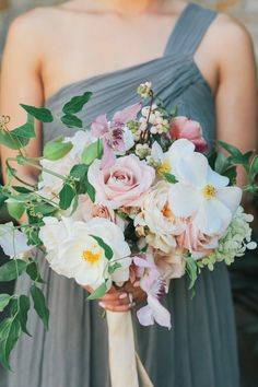 Pastel bridesmaid bouquet | Wedding & Party Ideas | 100 Layer Cake