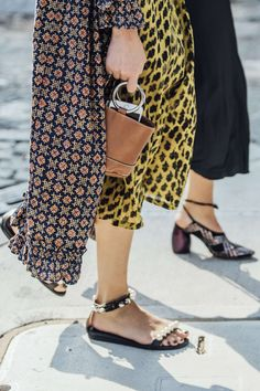 September 8, 2016 Tags Black, Brown, Red, Navy, Blue, Yellow, Women, Prints, High Heels, Flats, Coats, Dresses, Bags, New York, Sandals, Pearls, SS17 Women's