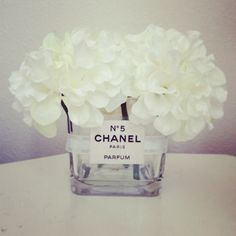DIY Chanel vase - dollar store vase, Chanel label printable, Mod Podge, ribbon, silk flowers