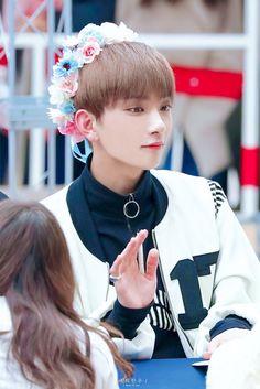 """i'm seventeen's gentleman, joshua"" © jeongfuxk 2018 Woozi, Wonwoo, Jeonghan, The8, Seungkwan, Jisoo Seventeen, Joshua Seventeen, Seventeen Debut, Vernon"