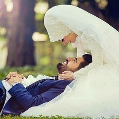 121 Likes, 9 Comments - muslimwedding Wedding Couple Photos, Pre Wedding Photoshoot, Wedding Poses, Wedding Couples, Wedding Pictures, Hijab Wedding, Muslim Wedding Dresses, Muslim Brides, Cute Muslim Couples