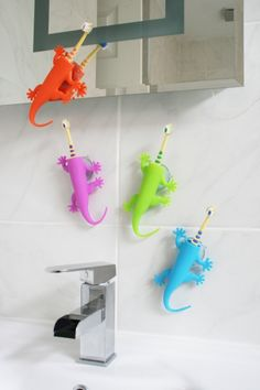 Do łazienki, myć zęby! - Stojaki na szczoteczki do zębów z J-me! - domplusdom.pl