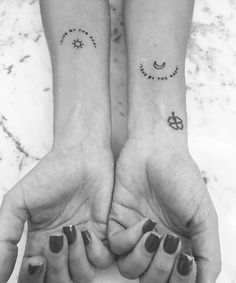 62 Unique Tattoos You'll Want to Get With Your Best Friend – Page 15 of 62 – Kornelia Beauty 62 Unique Tattoos You'll Want to Get With Your Best Friend – Page 15 of 62 best friend tattoos, friendship tattoos, couple tattoos, matching tattoos. Tattoos Partner, Bff Tattoos, Couple Tattoos, Finger Tattoos, Tatoos, Tattoo Quotes, Sun Moon Tattoos, Sibling Tattoos, Tattoo Moon
