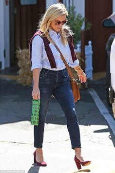 Walk the line: Reese stepped lightly in a pair of wine-coloured heels that matched her swe. Heels Outfits, Casual Outfits, Cute Outfits, Fashion Outfits, Preppy Fashion, Wine Colored Heels, Prep Style, My Style, Reese Witherspoon Style