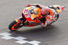 MotoGP Argentina: Marc Marquez takes pole position in Argentina, with Rossi and Lorenzo on the rront row / アルゼンチンでMotoGP Argentinaの予選が行われ、Marc Marquezが、ポールポジションを獲得した。