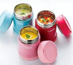 スープジャー(スープマグ)を使った温かいお弁当が最近人気ですよね。お弁当のメニューにみそ汁やスープを取り入れることができるし、おかずだって温かいまま食べることができます。さらにこれって、出来上がったものを保温しておけるだけでなく、朝に材料を入れておくだけでランチタイムに食べごろになる、超簡単お弁当も作ることができちゃうんです。そんなスープジャーを使った簡単お弁当レシピを集めています。作り方はリンク先でチェックしてくださいね。 Soup In A Jar, Diet Recipes, Cooking Recipes, Meals In A Jar, Food Containers, Japanese Food, No Cook Meals, Healthy Cooking, Bento