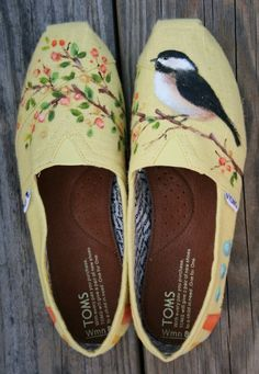 hand #painted #shoes... could be a cool gift!