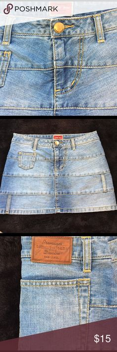 Tommy Hilfiger jean skirt ✨NEW LISTING✨ tommy jean RED LABEL skirt size 4, In excellent condition! Tommy Hilfiger Skirts