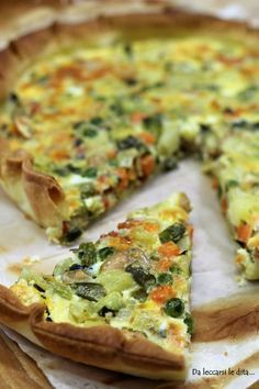 Torta salata con le verdure Strudel, Healthy Sauces, Healthy Recipes, Cauliflower Cheese Bake, Yummy Snacks, Yummy Food, Oven Vegetables, Homemade Sauerkraut, Veg Dishes