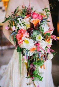 cascade 12Eclectic-Bohemia-Inspiration-Shoot-Pittsburgh-Veronica-Varos photo-bouquet mt lebanon floral