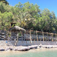 Chillen bij de Tropic's Bar in Porto Koukla. Hotspot en heerlijk paradijsje op Zakynthos! http://www.followmyfootprints.nl/chillen-tropics-bar-porto-koukla/