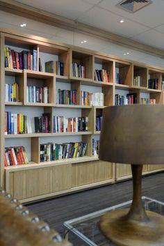 Estante - book shelf por Asenne Arquitetura
