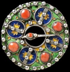 """BEAUTIFUL non-westernhistoricalfashion: """" Brooch / Thebiximin Algeria Kabyle Silver decorated with enamelled filigree and set with corals This is an example of a thebiximin worn by Kabyle. Ancient Jewelry, Antique Jewelry, Vintage Jewelry, Antique Brooches, Tribal Jewelry, Beaded Jewelry, Silver Jewellery, Diamond Jewelry, Tribal Images"""