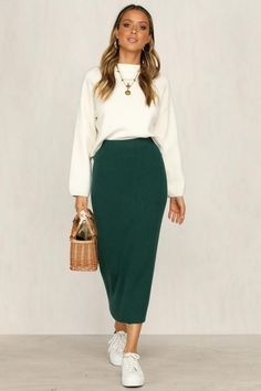 Sakkas Ivy Maiden Boho Skirt - Austin Skirt (Green) Source by eoilswithbetsy - Fashion Mode, Modest Fashion, Look Fashion, Autumn Fashion, Long Skirt Fashion, Green Fashion, Mode Outfits, Chic Outfits, Fall Outfits
