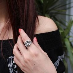 Jewelry as a Christmas Gift: 4 Things to Consider – Martin Connor – Medium Psychic Love Reading, Love Psychic, Easy Love Spells, Powerful Love Spells, Meaningful Christmas Gifts, Online Psychic, Love Spell That Work, Life Questions, Thin Chain