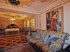 Versace Mansion, Versace Home, Celebrities Homes, Celebrity Houses, Gianni Versace, House Design, Couch, Mansions, Painting