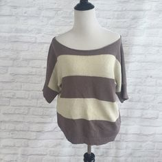 Comfy sweater! Perfect for layering! Great condition. American Eagle Outfitters Sweaters