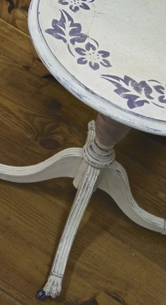 Little table stencilled with Old Violet Chalk Paint™ over Old White Chalk Paint™ decorative paint   by @Annie Sloan.