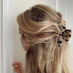 Honey Blonde Hair, Blonde Hair Looks, Beachy Blonde Hair, Perfect Blonde Hair, Locks, Aesthetic Hair, Blonde Aesthetic, Hair Day, Girl Hair