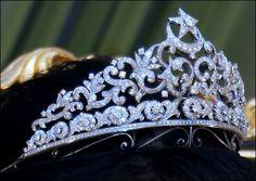 Princess Norain of Brunei. #RoyalTiara of Brunei 1: Diamond Moon and star tiara