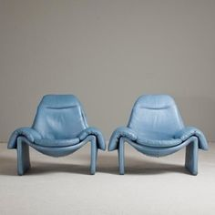 Beautiful armchairs in pastel blue leather Interior Desing, Interior Inspiration, Chair Design, Furniture Design, Mod Furniture, Dream Furniture, Plywood Furniture, Table Sofa, Sofa Chair