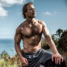 """1,740 свиђања, 26 коментара -  Italian Outlanders (@outlander_world) у апликацији Instagram: """"#Repost from  @samheughan . I worked so hard for this. Supported by the best community of friends…"""""""