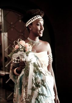 A bride in Burundi African Traditional Wedding Dress, Traditional Wedding Attire, Traditional Outfits, Latest African Fashion Dresses, African Dresses For Women, African American Weddings, African Weddings, Afrocentric Clothing, Westerns