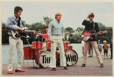 Here's a neat vintage photograph of the Who -- John Entwistle, Keith Moon, Roger Daltrey, and Pete Townshend -- circa Pete Townshend, Roger Daltrey, Greatest Rock Bands, Old Music, Music Pics, British Rock, Rockn Roll, British Invasion, Blues Rock