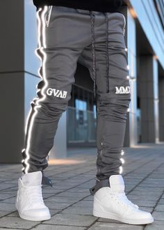 Adidas Basketball Shoes, Adidas Shoes, Sports Trousers, Casual Wear For Men, Christian Clothing, Colorful Fashion, Boy Outfits, Casual Outfits, Streetwear Fashion