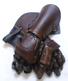 Brown Gold Articulated Gauntlets