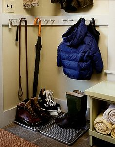 This idea is perfect for winter, or for a rainy spring. Place large baking trays with cooling racks inside next to the front door, and let wet shoes drip dry on them.