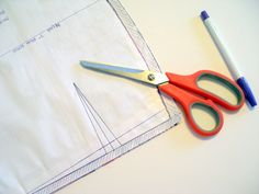 Want to learn how to accurately mark darts on your fabric? Check out this great tutorial from So Sew Easy!  Supplies: something that you want to sew darts into and your sewing supplies Skill Level: Beginner See the Marking Dartstutorialhere! Love this tutorial? We encourage you to pin from the original post! Related