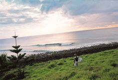Lennox Head session. Byron Bay, Beach House, Surfing, Places To Visit, Coast, Waves, Australia, Clouds, Mountains