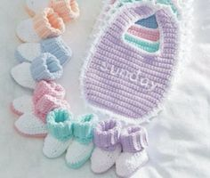 Free Crochet Baby Booties and Bib Pattern. I need to make these for our new grand baby due in 4 weeks Free Crochet Baby Booties and Bib Pattern. I need to make these for our new grand baby due in 4 weeks Booties Crochet, Crochet Baby Bibs, Crochet Baby Clothes, Newborn Crochet, Crochet Shoes, Crochet For Kids, Free Crochet, Knit Crochet, Crochet Patterns Free Easy Quick