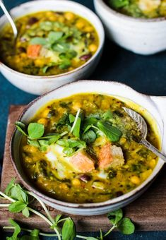 Deliciously Herby Persian Bean Soup with Croutons (Vegan) - Rebel Recipes - Deliciously Herby Persian Bean Soup with Croutons (Vegan) A super easy & healthy soup recipe packed - Healthy Soup Recipes, Vegetarian Recipes, Cooking Recipes, Bean Soup Recipes, Jar Recipes, Dessert Recipes, Spinach Soup, Veggie Soup, Vegan Soups