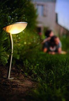 Sfeervolle tuin tot de late uurtjes met led-verlichting - nieuw gamma: myGarden Solar van Philips -Ikgabouwen.be
