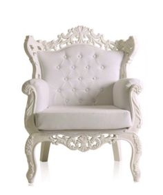 Fabulous French Baroque chair in white. Queen Anne for a day.