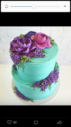 Something purple + pretty on Tiffany blue buttercream. Made for a mommy to be … Etwas Lila + Hübsches auf Tiffany Blue Buttercreme. Gorgeous Cakes, Pretty Cakes, Cute Cakes, Amazing Cakes, Bolo Floral, Floral Cake, Pastel Floral, Decoration Patisserie, Buttercream Flowers