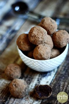 Vegan Chocolate Fudge Truffles..made with only 5 clean, whole food ingredients and they're raw, vegan, gluten-free, dairy-free, soy-free, paleo-friendly and contain no refined sugar | The Healthy Family and Home