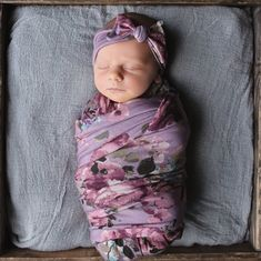I'm not normally a purple kind of girl but I do love this swaddle headband set. Milkmaid Goods - April 27 2019 at Baby Swaddle Blankets, Purple Baby, Cute Baby Clothes, Baby Girl Fashion, Baby Girl Newborn, Trendy Baby, Cute Babies, New Baby Products, Memphis