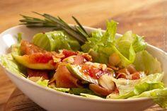 Villa Cioè (almoço)    Salada de Rústica  Alface americana, figo, copa, lascas de amêndoas e molho de mostarda com mel