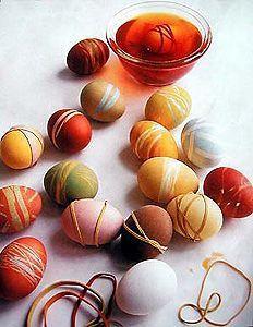 Bricolage de Pâques : teindre des oeufs et fabriquer un arbre de Pâques #enfant #Paques #bricolage: