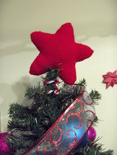 Christmas Tree Star Topper Pattern Size G Hook (4.25 mm) 1 skein Red Hart Super Saver or worsted weight yarn Polyfil Stuffing Pipe Cleaner...