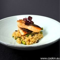 Spargelrisotto mit Lachs