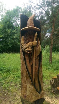 I Create Detailed Wooden Sculptures Carving Them With A Chainsaw - Modern Wood Carving Faces, Tree Carving, Wood Carving Patterns, Wood Carving Art, Wood Carvings, Art Sculpture En Bois, Driftwood Sculpture, Driftwood Art, Wooden Sculptures