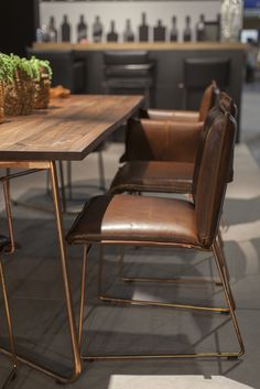 Dining table Charlotte with our dining chairs Newton and Knight - available at Morlen Sinoway Chicago - 312.432.0100
