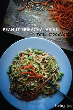 Raw peanut sriracha noodles with a creamy & mildly spicy peanut sriracha sauce. Vegan, gluten-free, grain-free, with peanut-free & soy-free options.
