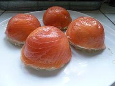 Dôme de saumon sur fond d'artichaut - Copie